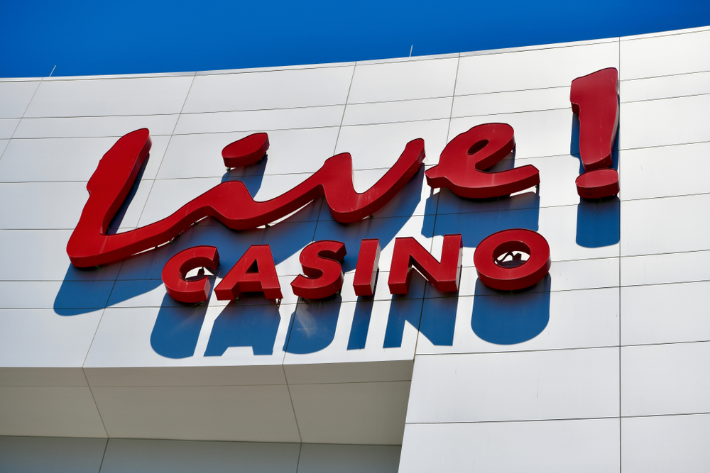 Live casino reopens