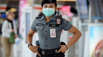 Thailand Officers Arrests 16 Thais